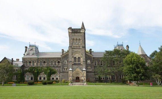 Toronto University Declares its Plans for Broad Smoking Ban